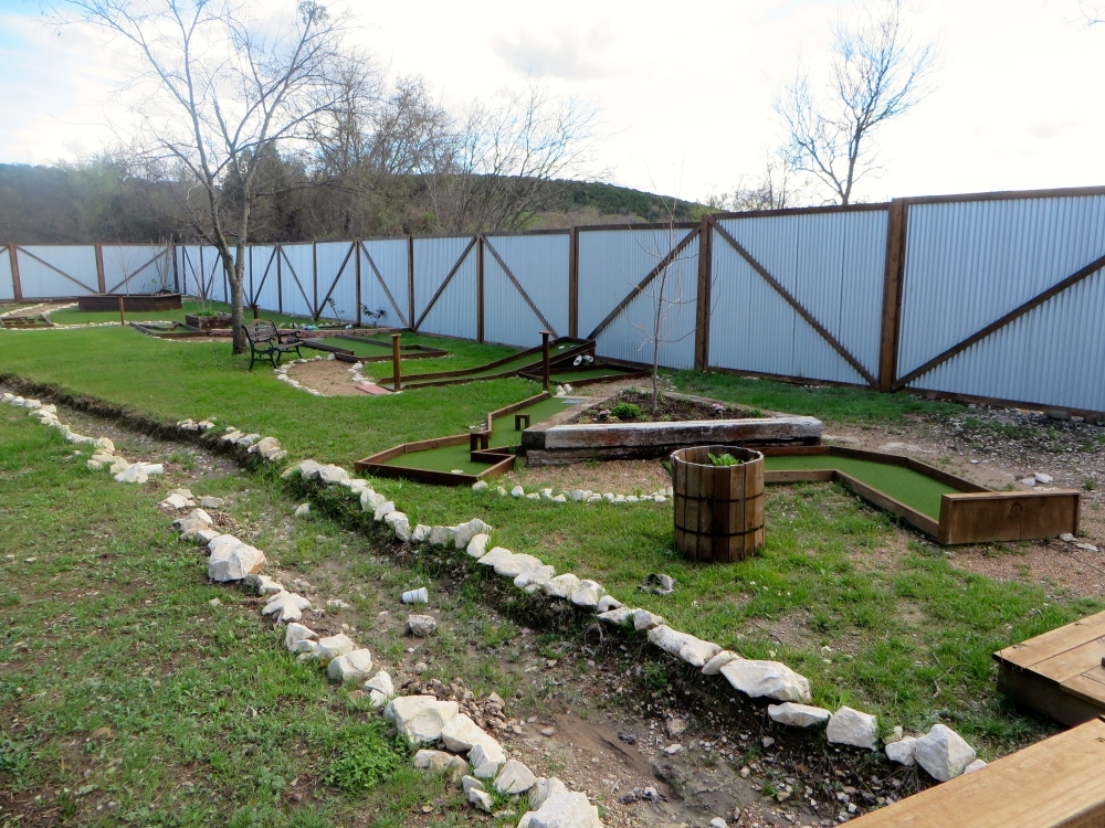 Glen Rose Putt Putt | The Rose Table