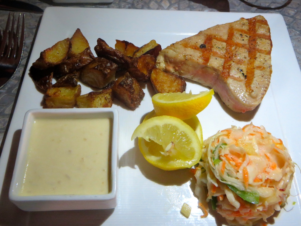 Grilled Tuna at Asu on the Beach at Alexandra Resort in Turks and Caicos | The Rose Table