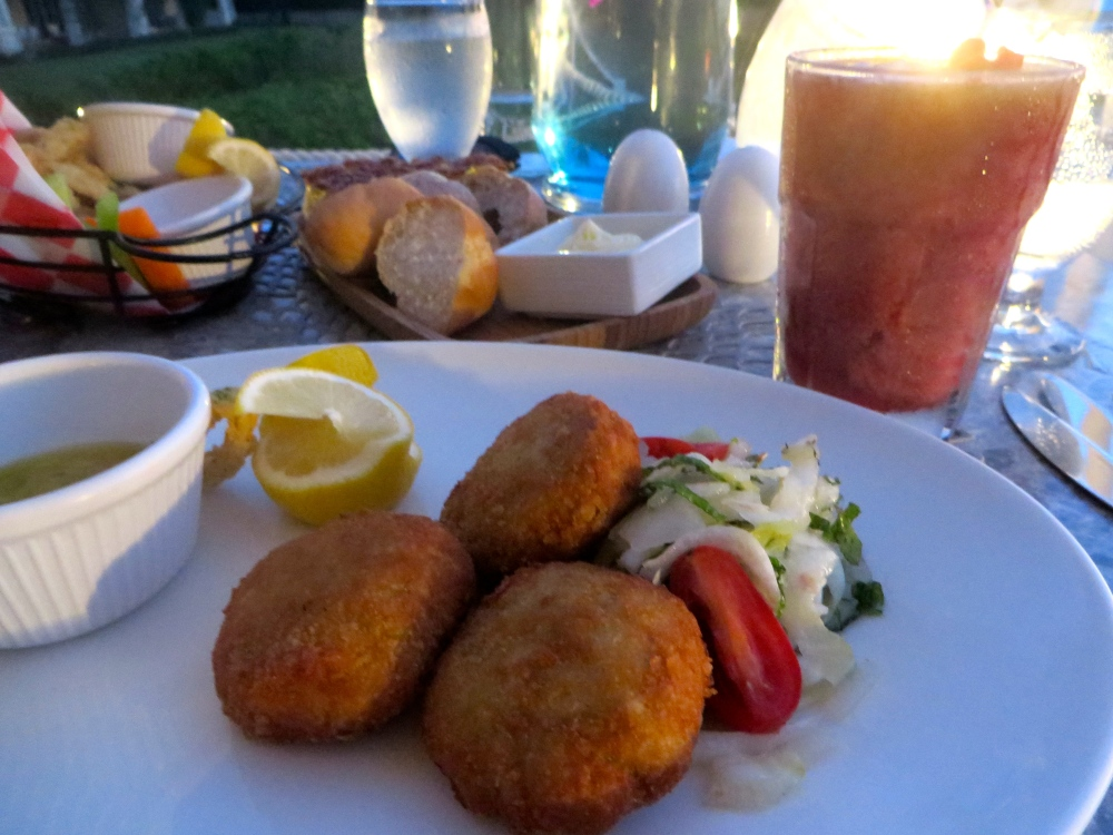 Crab Cakes at Alexandra Resort's Asu on the Beach in Turks and Caicos | The Rose Table