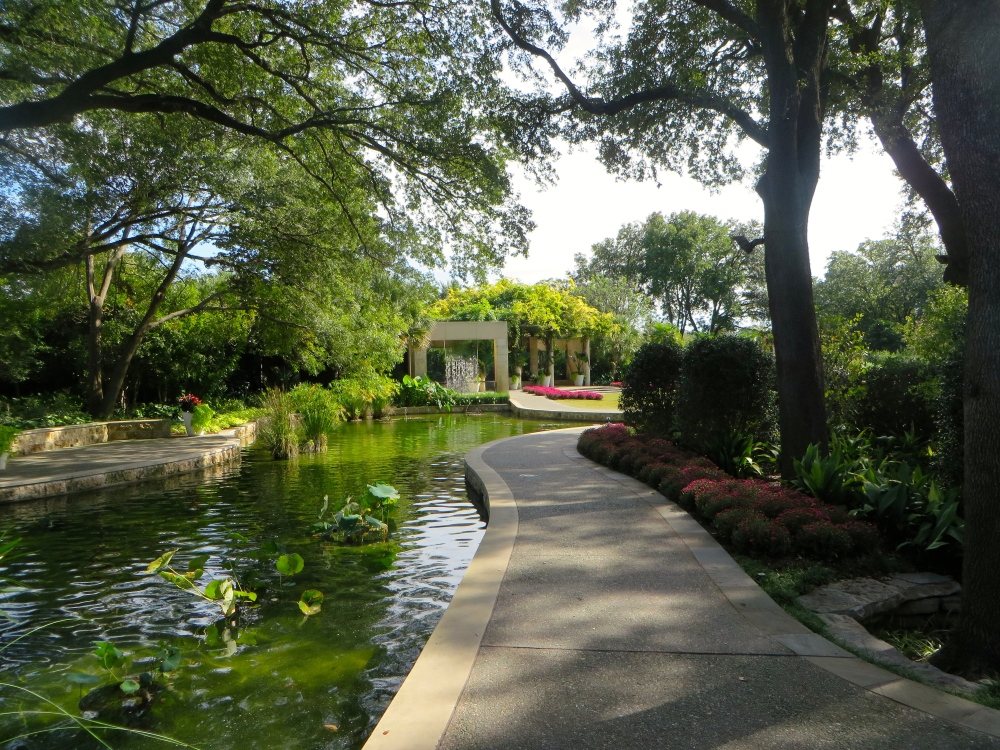 Dallas Arboretum and Botanical Garden | The Rose Table